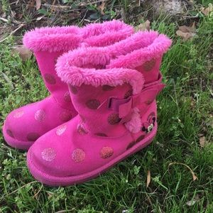 Minnie Mouse pink winter boots